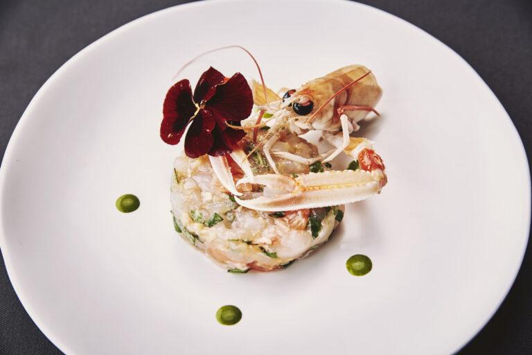 https://thewhitehouserestaurant.gr/wp-content/uploads/2021/04/Varoulko-Seaside-dish-photo-768x512.jpg