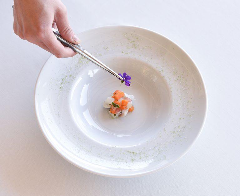 https://thewhitehouserestaurant.gr/wp-content/uploads/2021/06/food-11-low-res-768x626.jpg
