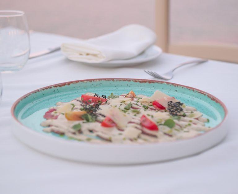 https://thewhitehouserestaurant.gr/wp-content/uploads/2021/06/food-15-low-res-2-768x626.jpg