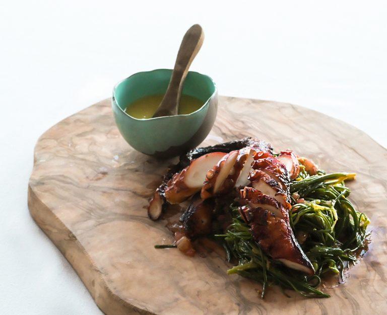 https://thewhitehouserestaurant.gr/wp-content/uploads/2021/06/food-18-low-res-768x626.jpg